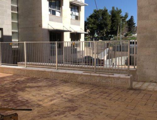 גדר פרופילים גדר מוסדית לבית ספר